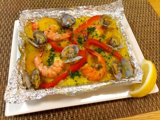 エビのレシピ「魚介のうま味たっぷりパエリア」