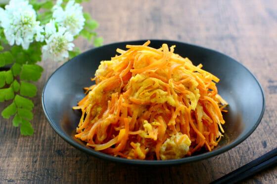 にんじんしりしりのレシピ。人参の人気料理といえばコレ!簡単な作り方。