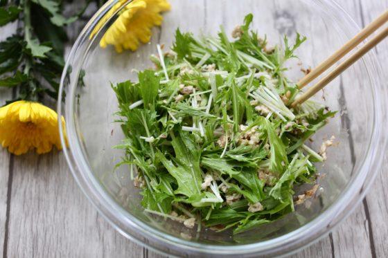 鯖缶と豆腐のサラダの作り方