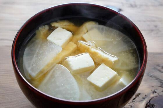 大根と豆腐と油揚げの具の味噌汁