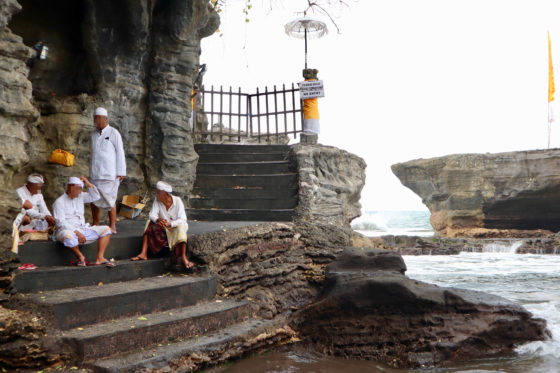 タナロット寺院の階段