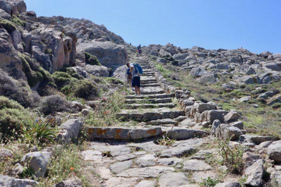 デロス島のキントス山への道