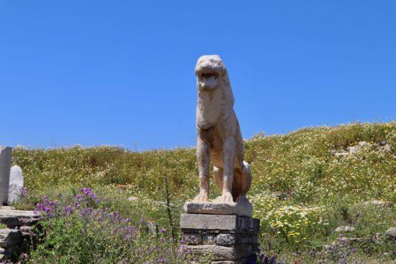デロス島のライオン像