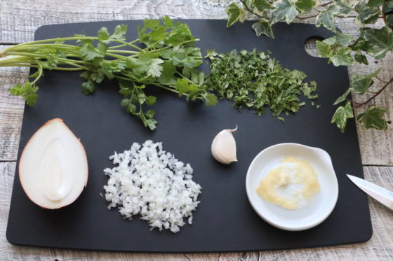 ファラフェルのひよこ豆でたねを作る