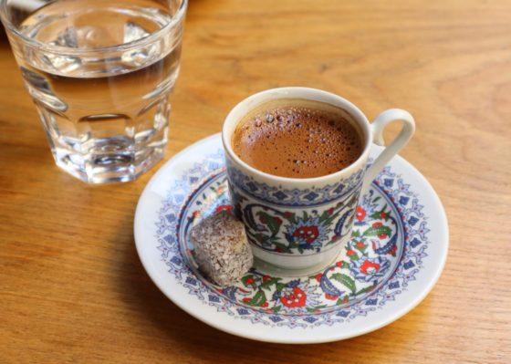 トルココーヒーの飲み方