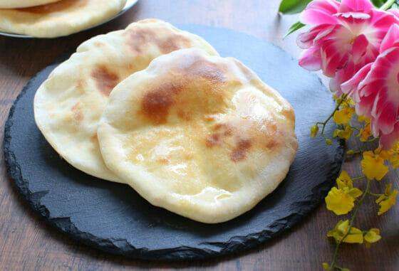 ナンの作り方!本場インドの焼き方と、手作り簡単レシピを動画で紹介。