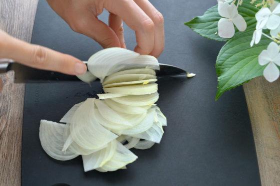 玉ねぎの薄切りの切り方