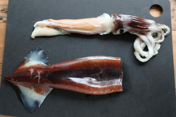 イカの足と内臓を外したところ